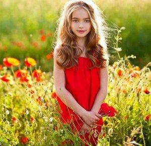 Настя Безрукова стала дочерью своего однофамильца