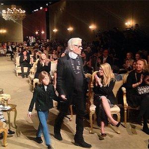 На удивительном шоу-показе Chanel Metiers d'Art присутствовали целые «созвездия» знаменитостей