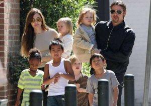 Ради семьи Анджелина Джоли готова бросить карьеру